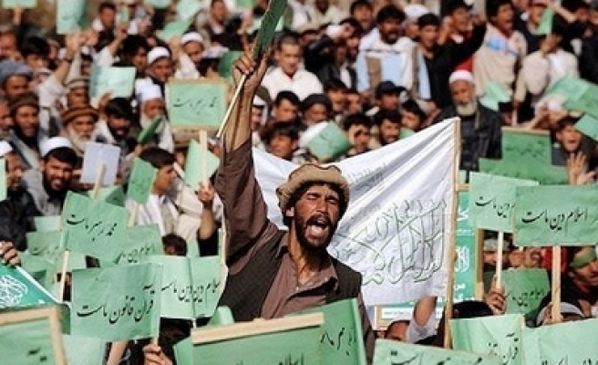 Thousands protest cartoons, film in Afghan capital