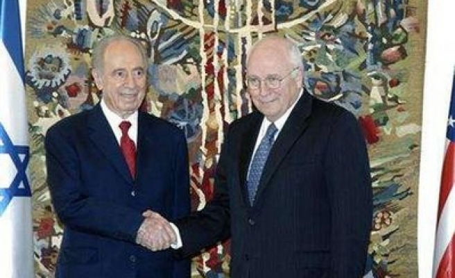 Peres: 'Israel will never deal with Syria over Golan Heights'