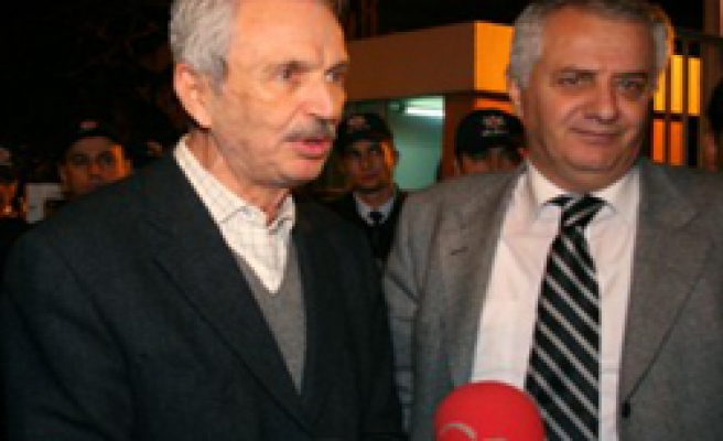 Istanbul University's former rector released in gang probe