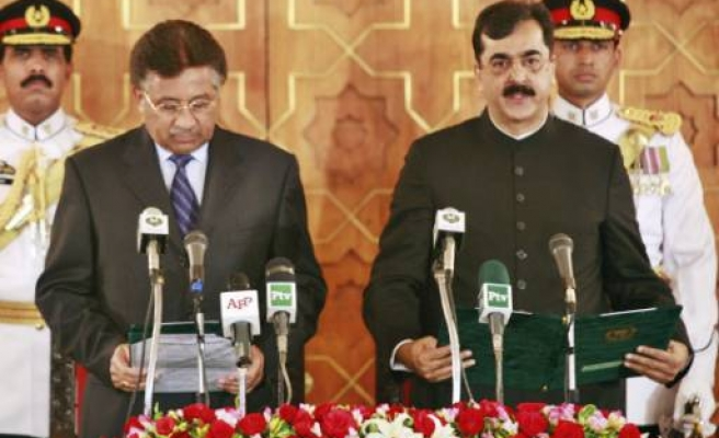 Reshuffle in Pakistan army as new govt takes office
