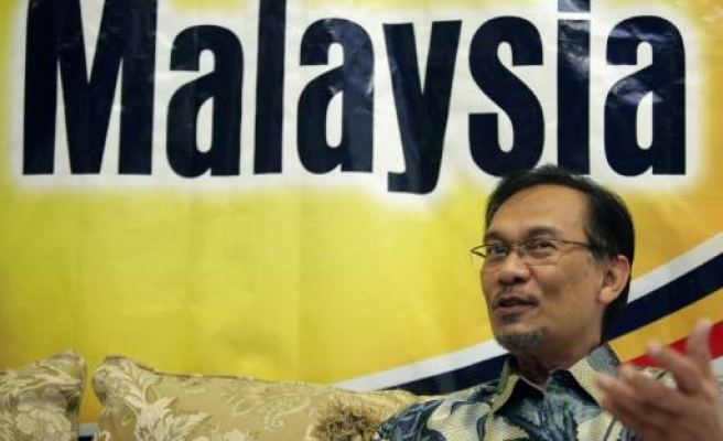 Malaysia opposition parties agree formal alliance