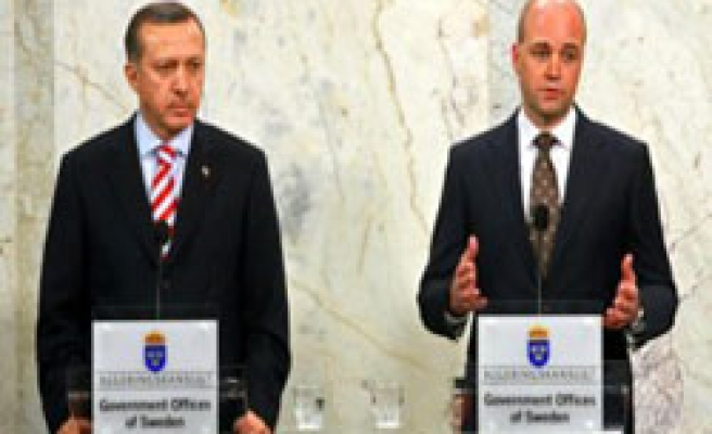Sweden PM supports Erdogan in closure case