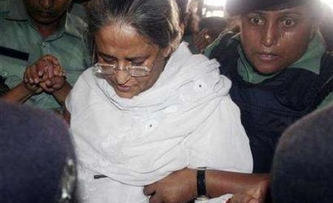 Bangladeshi ex-PM collapses in court facing corruption charge
