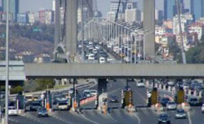 Istanbul's second bridge to close toll collection gates