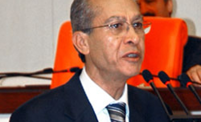 Turkish academic MP says AKP ready to defend itself