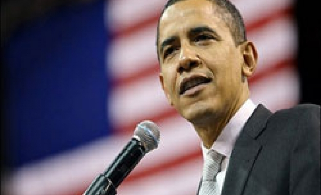 Obama leads rival Clinton over trustworthiness
