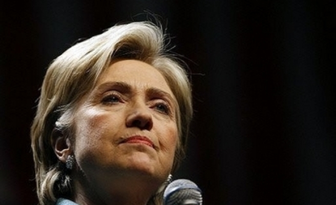 Clinton's top strategist quits over lobbying conflict