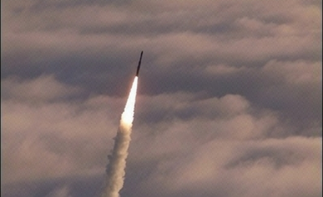 Iran proposes missile shield against US, Israel