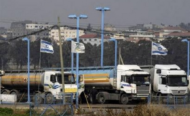 Palestinians enter Israel-controlled border crossing