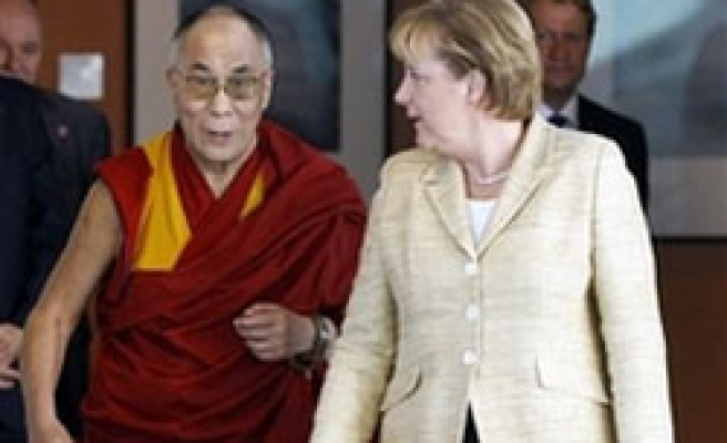 Merkel urges China to overcome 'fear' of dialogue
