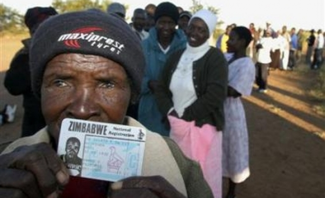 Zimbabwe votes to be recounted