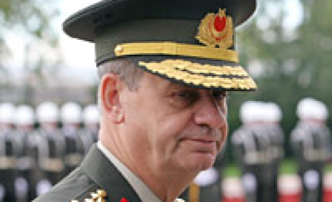 Medal of merit to Spanish General from Turkey