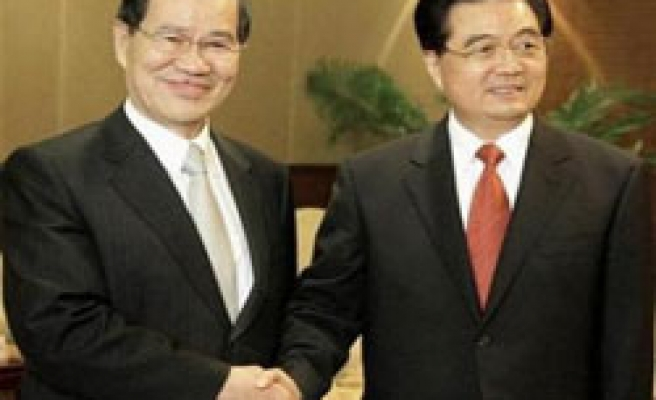 China, Taiwan agree to restart official dialogue