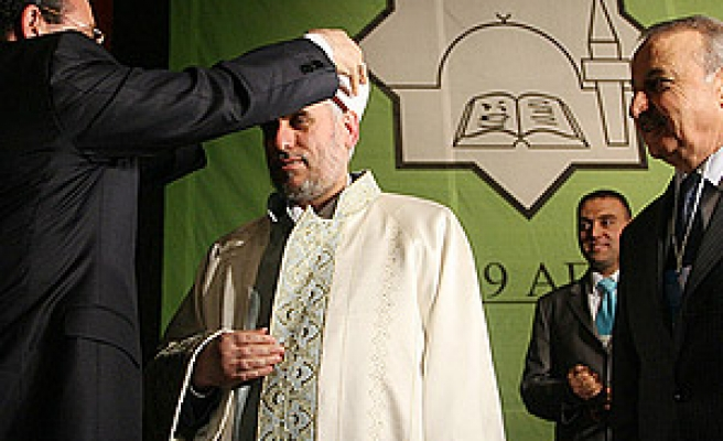 Muslims in Bulgaria re-elect Hadji as chief Mufti