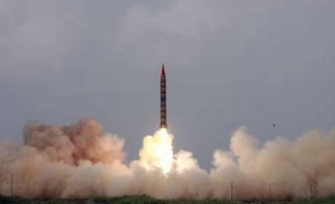 Pakistan tests nuclear capable ballistic missile