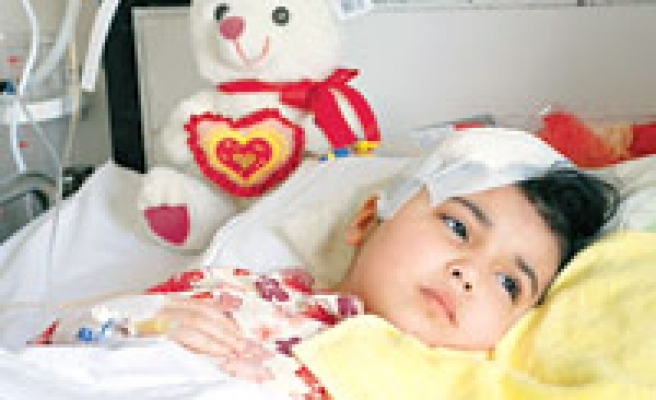 İHH sponsors brain surgery for young Turkistani