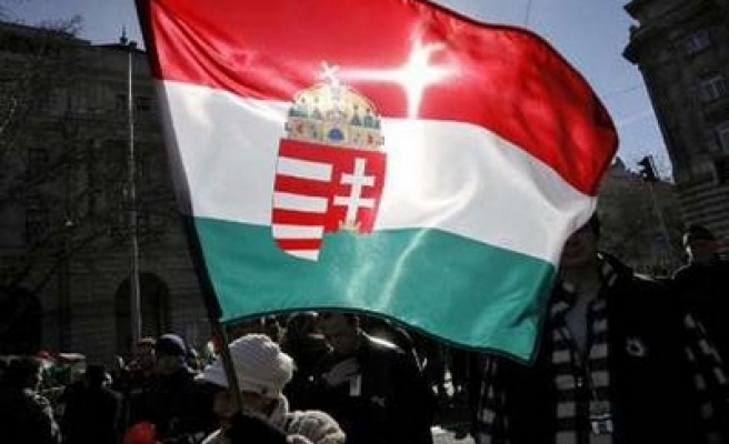 Hungary coalition party votes to quit govt