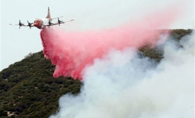 California wildfire rages, 1,000 people evacuated