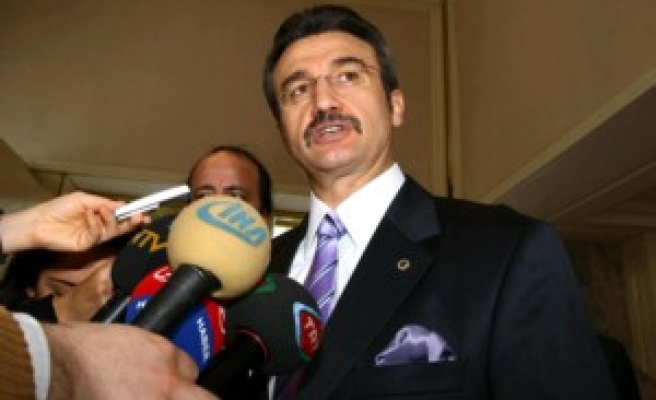Turk Minister in Syria: 'Let's remove borders'