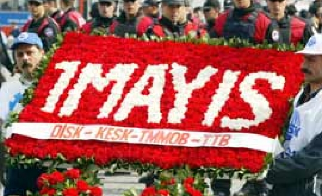 Gov't, unions seek midway formula for May Day celebrations