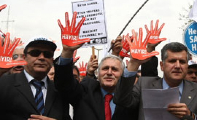 Turkey bans May Day rally in central Istanbul