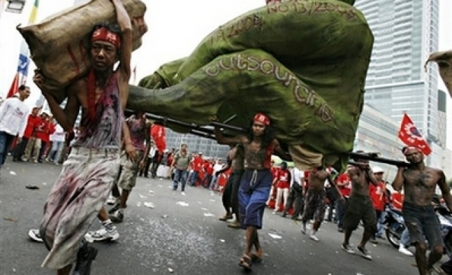 Thousands hit the streets to mark Indonesia May Day