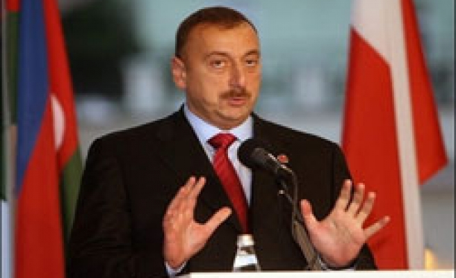 'Azeri leader could win presidential election easily'