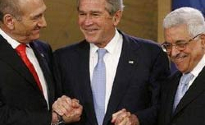 Bush not to host Abbas-Olmert meeting during Mideast visit