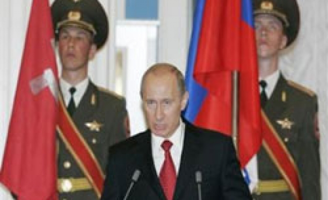 Putin says to spend more for Russia's nuclear defences