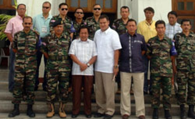 Malaysia begins pullout of Philippine monitors