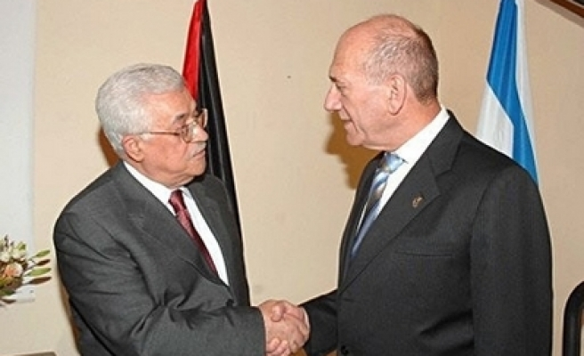 Palestinians see no change with or without Olmert