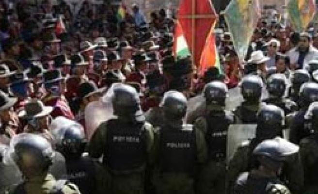 Coca growers ambush Bolivian security forces, take hostages