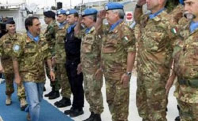 Italy defends move to patrol streets with soldiers