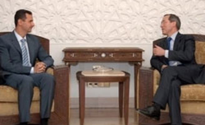 Syria's Assad meets French envoys