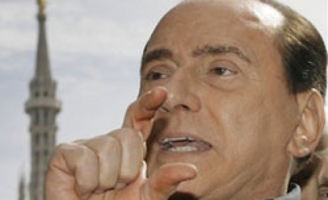 Berlusconi tries to remove judge trying him