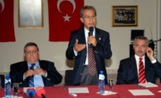 Turks talk about difficulties in Holland