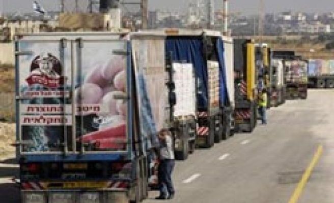Israel lets slightly more goods into Gaza as truce holds