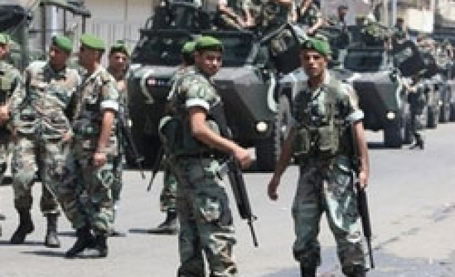 Lebanese troops deploy in north to stop clashes