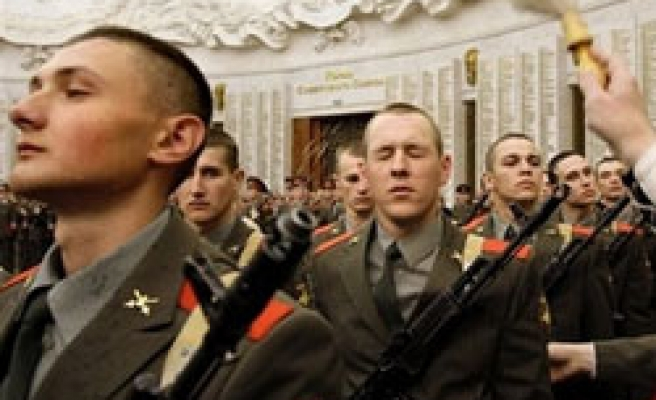 Russia to cut army to 1 mln by 2013: Reports