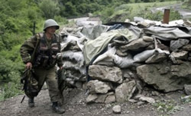Russian army to cut size of Chechen force