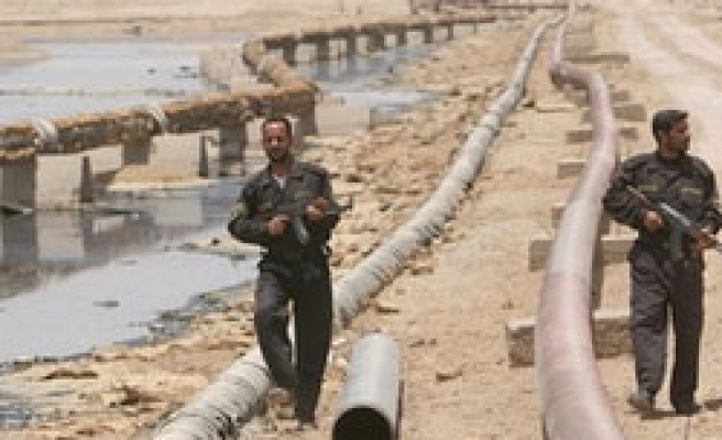 Iraq unveils oilfields open for long-term contracts
