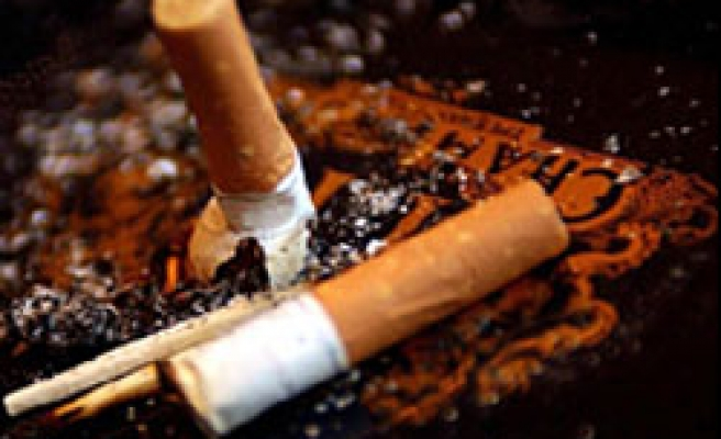 Record numbers quit after UK smoking ban