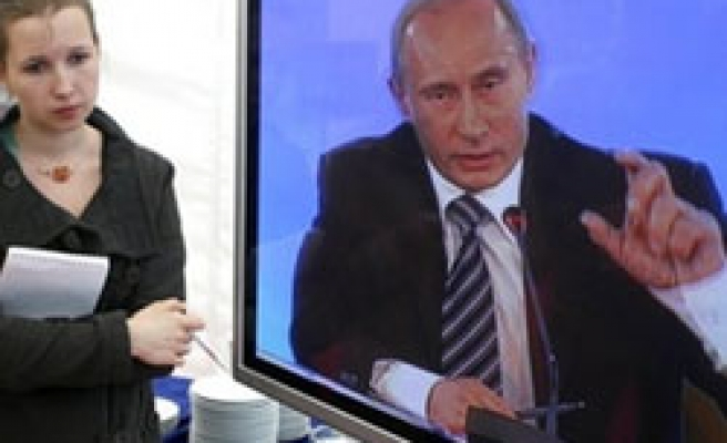 PM Putin to carry on TV debates with Russians