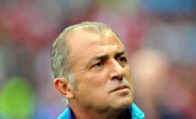 Turkey extends Terim's contract to 2012
