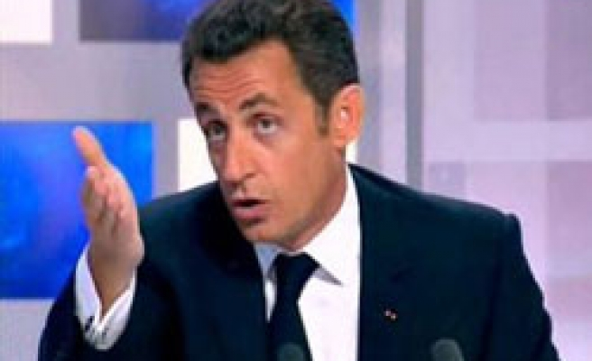 Sarkozy under fire on handling of army, TV