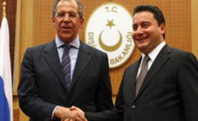 Turkish FM and Lavrov discuss relations