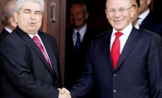 Cyprus leaders almost agree on direct talks schedule