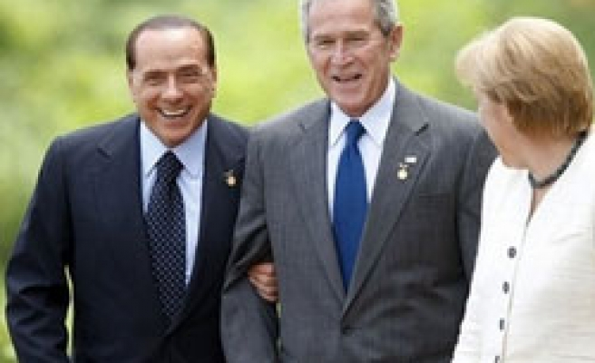 US apologizes for 'insulting' Berlusconi biography