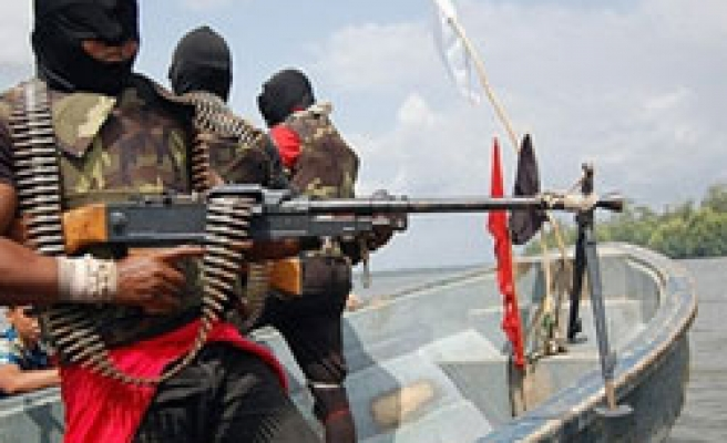 Nigeria oil militant group to call off ceasefire