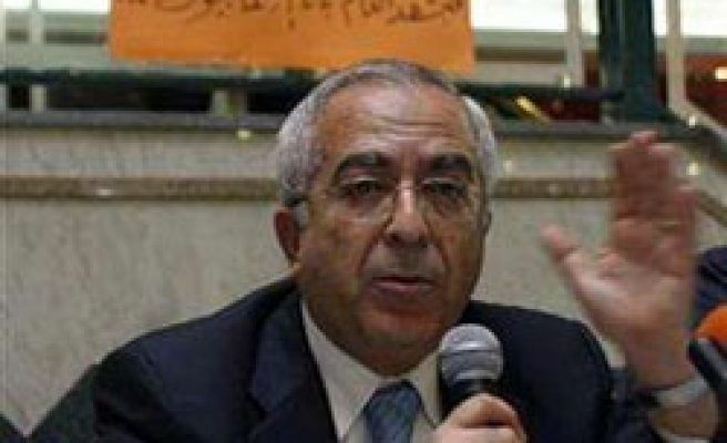 Fayyad calls on Palestinians to ignore Israel bans